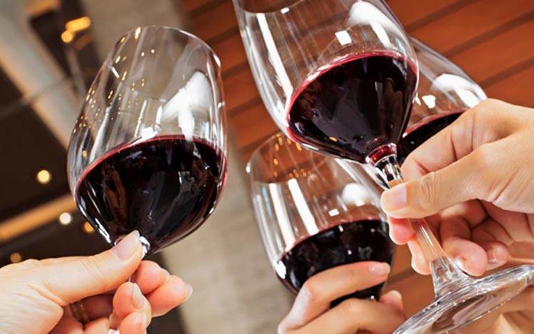 Siete pasos para organizar una cata de vinos con amigos