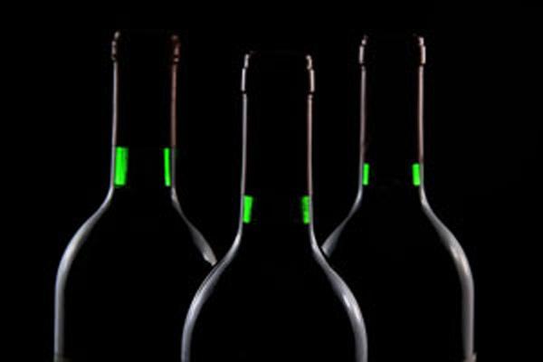 08679-comprar-vino