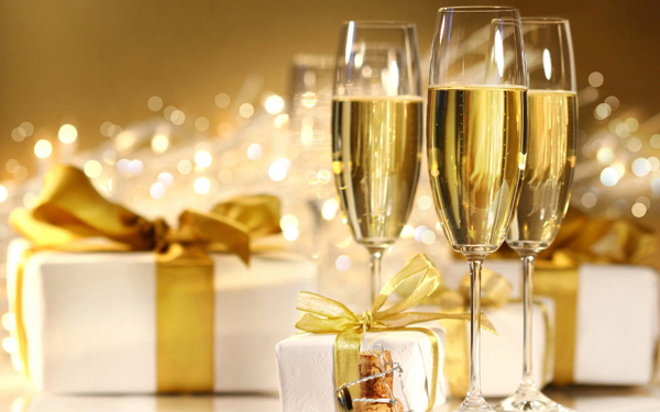 1680x1050-three-glasses-of-champagne1