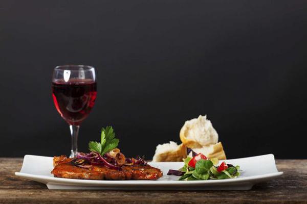 Entre el vino y la comida maridaje for Cultura francesa comida