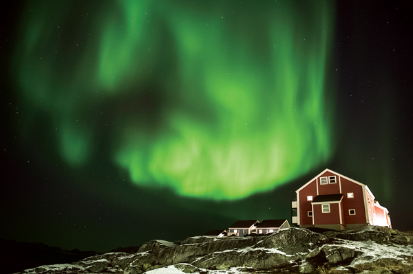 aurora_borealis_nuuk_(c)_camilla_hylleberg-i_love_greenland