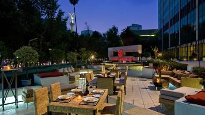 Sheraton Mexico City Maria Isabel Hotel: Brinda por cupido frente al Ángel de la Independencia