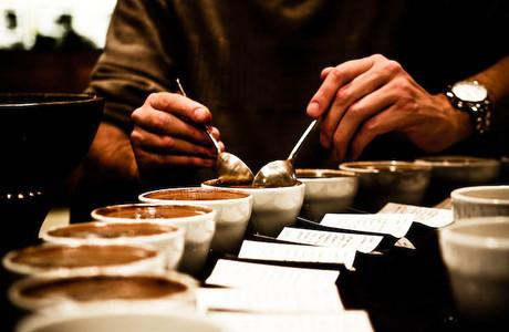 medium_coffee_tasting