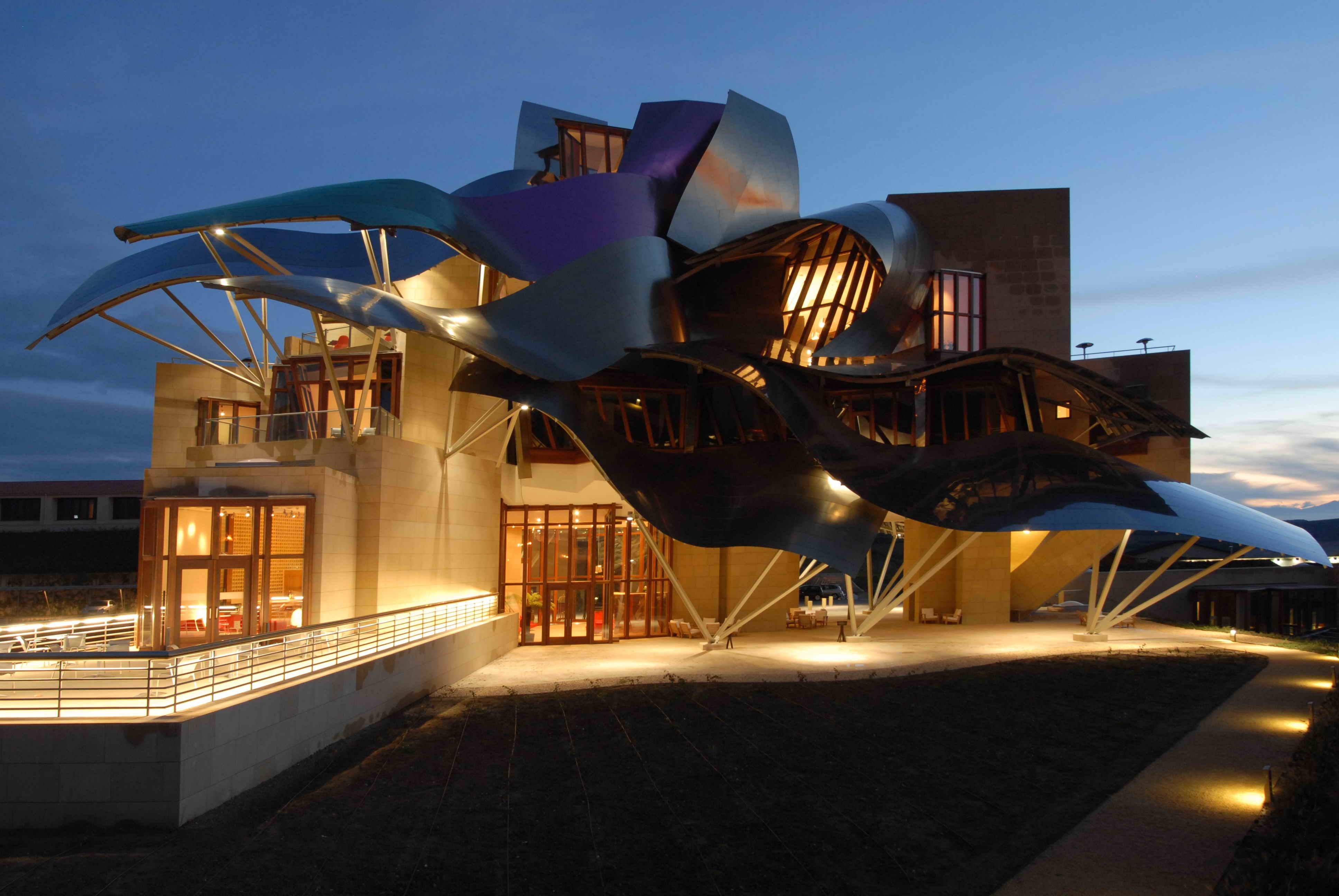 Hotel marqu s de riscal vino y arquitectura revista el - Arquitecto bodegas marques de riscal ...