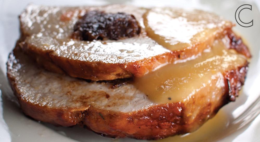 Lomo de cerdo mechado en salsa de tejocote