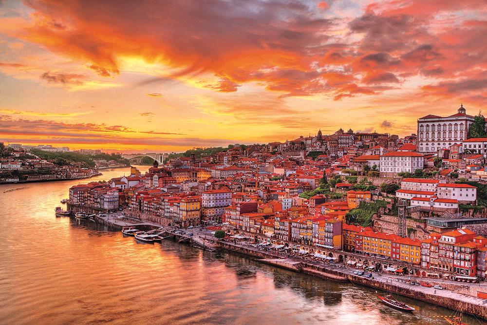 Oporto: historia, cruceros y vinos inolvidables