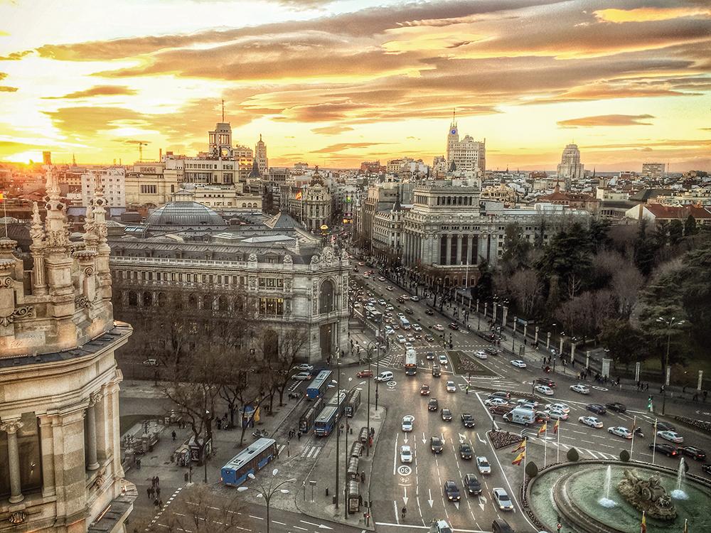 """""""Y ahí está viendo pasar el tiempo""""… Madrid (parte 1)"""