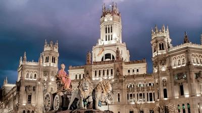 """""""Y ahí está viendo pasar el tiempo""""… Madrid (parte 2)"""