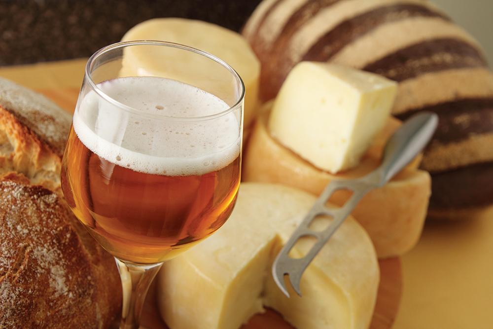 Los quesos más apreciados del mundo y cervezas para maridarlos