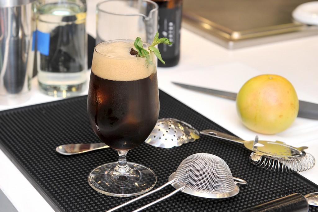 Mixología con café: la máquina de café de Miele