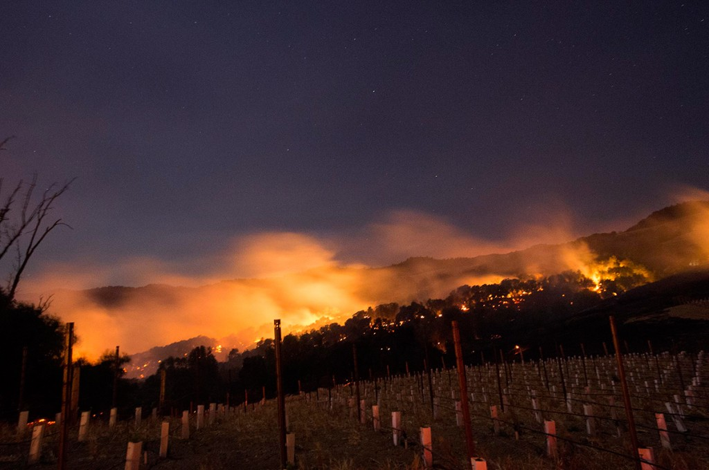 Incendios afectan la zona vinícola del norte de California