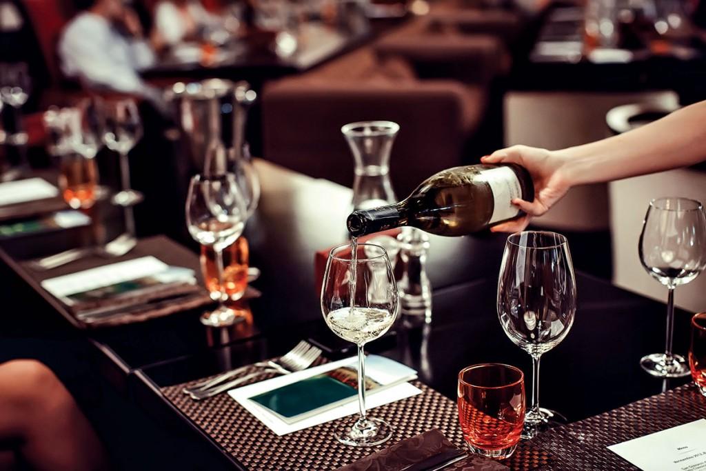 Vinos para celebrar. El servicio del vino en la mesa