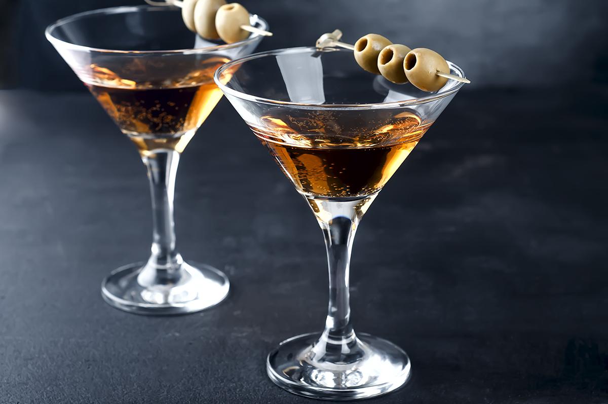 local Mono aniversario  La elegancia del Martini - Revista El Conocedor