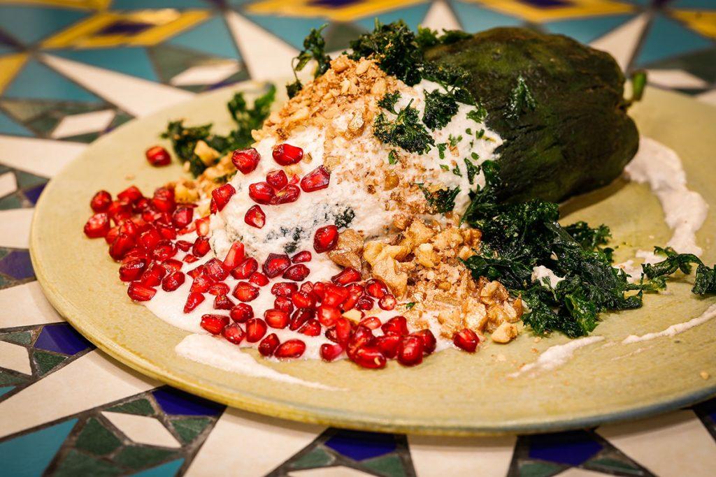Zanaya lleva la tradición del chile en nogada al siguiente nivel