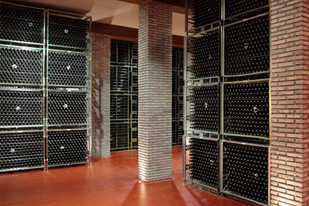 Trayectoria histórica de una de las más prestigiosas empresas vinícolas españolas: Bodegas Riojanas
