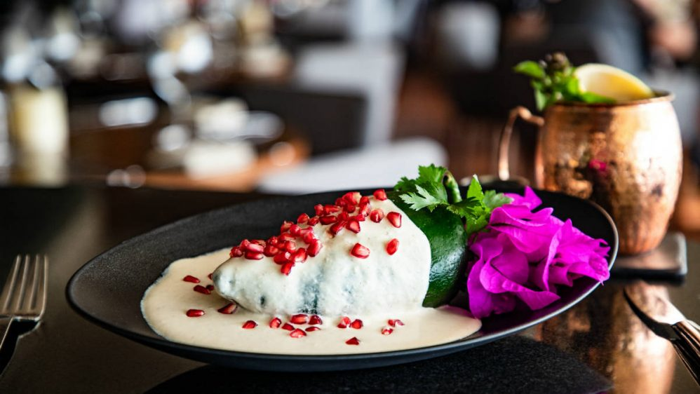 Must de temporada: El imperdible chile en nogada de Porfirio's