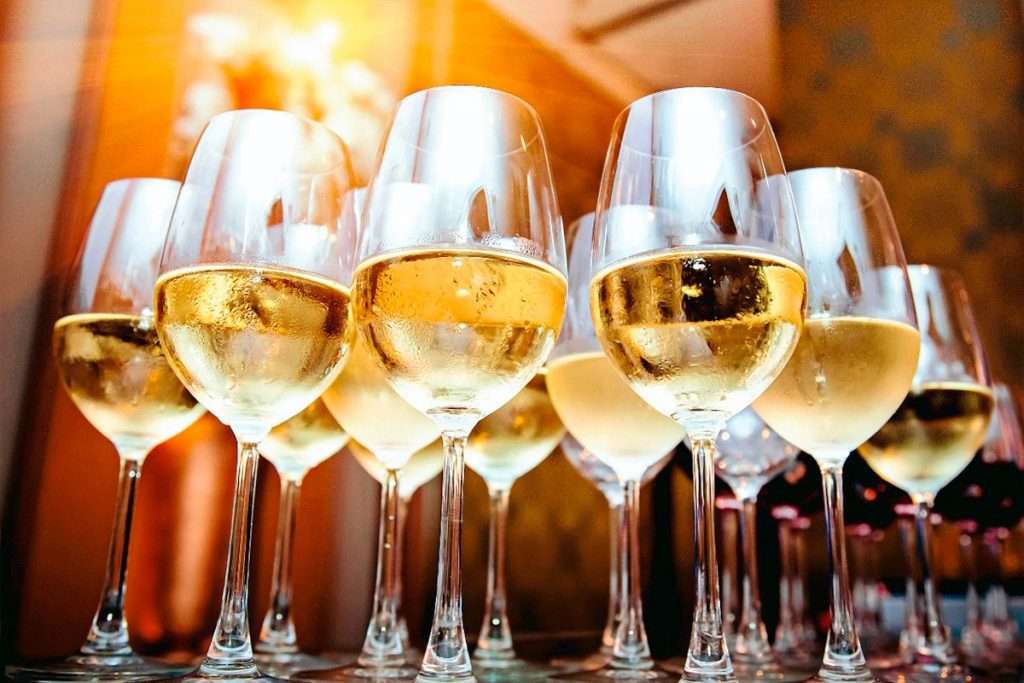Los refrescantes vinos blancos del mundo