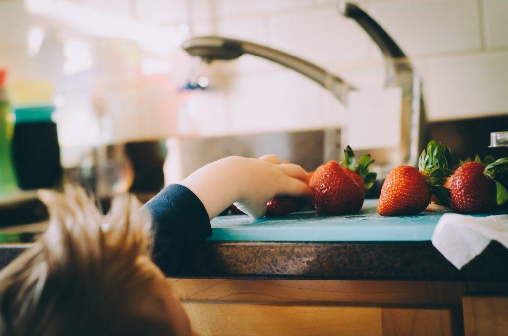 Seis consejos infalibles para cocinar con tus niños  👧🏻👦🏼🍳