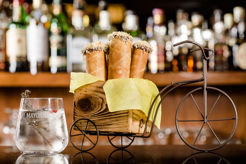 El plan perfecto para celebrar desde casa con Riviera del Sur y tequila Mayorazgo Cristalino