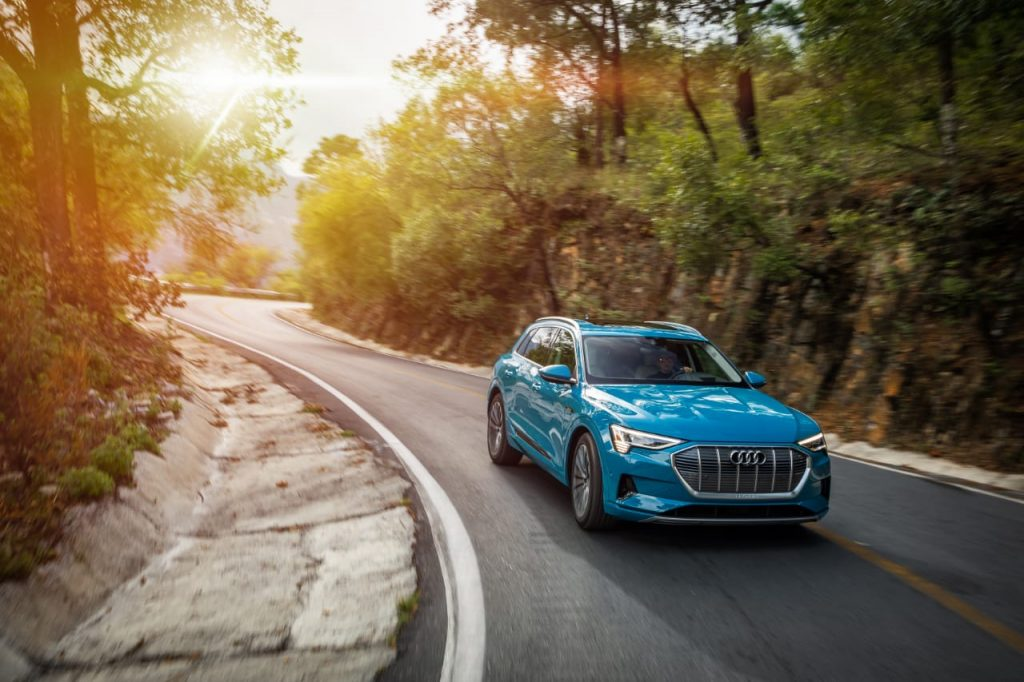 Electrizante y divertido, así es el Audi e-tron un auto 100% eléctrico 💡