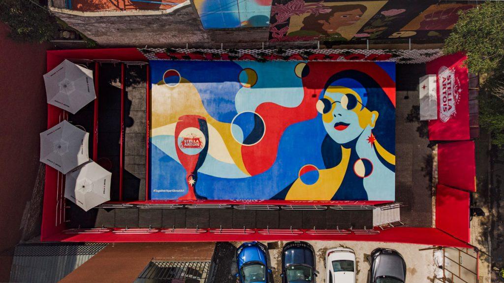 Together Apart Street Art de Stella Artois, la forma de disfrutar con seguridad 😷