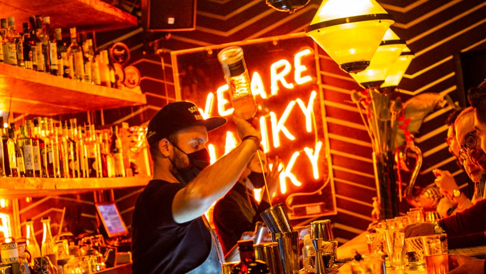 Hanky Panky y sus takeovers internacionales recibieron a The Clumsies, de Atenas