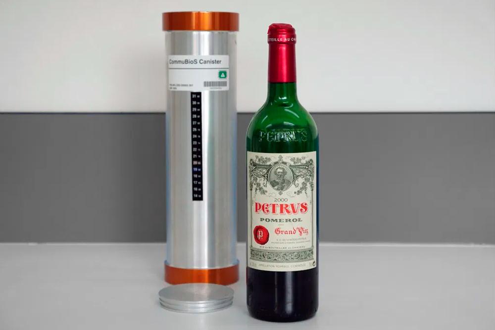 Petrus Pomerol, el primer vino añejado en el espacio