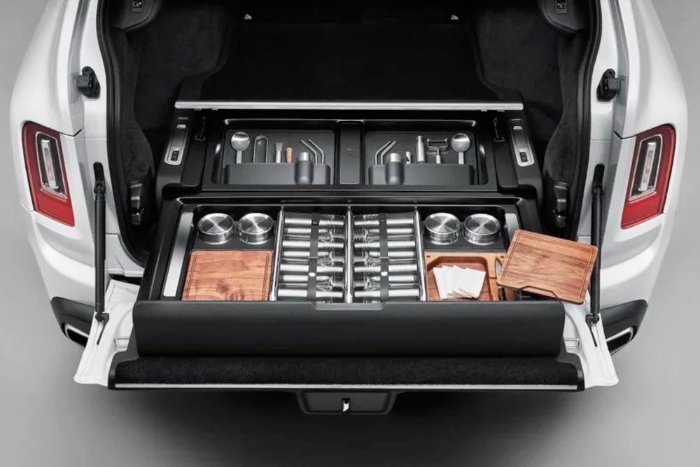 Rolls-Royce Cullinan lleva el estilo de vida sibarita a todos lados